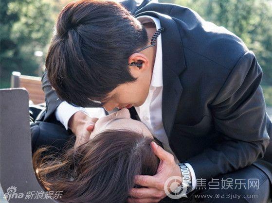 《K2》池昌旭允儿接吻 网友:这也太快了