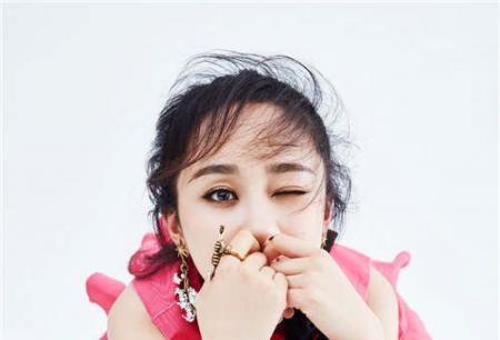 杨紫另类诠释人比花娇 没有最美只有更美