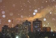 北京迎初雪气温骤降 网友:要冻死了